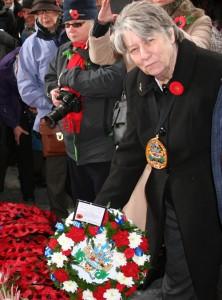 IOSA_Mayor with wreath_500