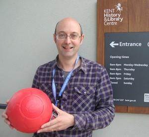 Rob Illingworth KCC with Poppy Ball_W500