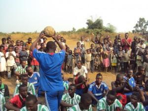 Congo_footballgathering