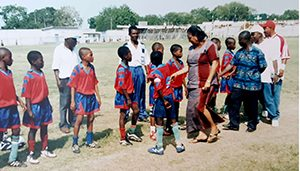 Ghana meeting the players_300