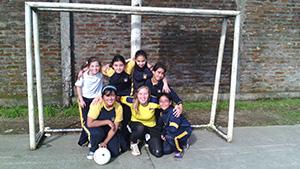 school team photo_300_169